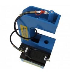Pneumo hidraulinis stabdžių kaladėlių kniedijimo įranga